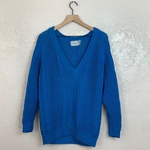 Forenza woman's blue knit long sleeve sweater